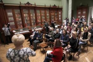 В Одесі літній читальний зал презентували взимку