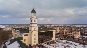 На башне нового корпуса НУ «Острожская академия» установили часы