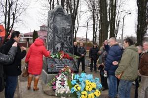 В Здолбунове открыли памятник погибшим в локальных войнах