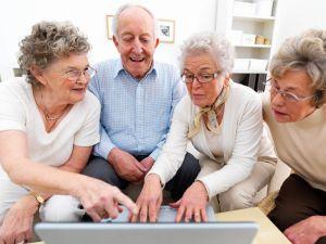 У Славуті пенсіонери стали студентами Університету третього віку