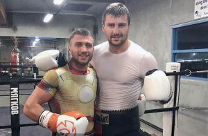 Гвоздик і Ломаченко готуються до титульних боїв