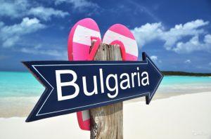 Щоб утамувати кадровий  голод у туристичний сезон у Греції