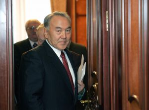 Назарбаєв пішов у відставку. Астана стала Нурсултаном