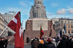В странах Балтии почтили память жертв депортации