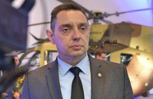 Министр обороны объявил  голодовку