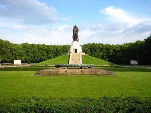 Вісім мільйонів євро — на реконструкцію радянського меморіалу у Трептов-парку