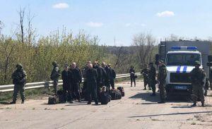 Боевики передали заключенных