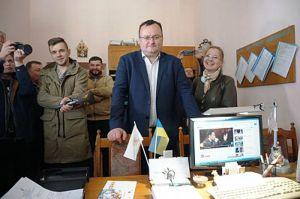 Чернівецький суд повернув відстороненого міською радою Олексія Каспрука на посаду