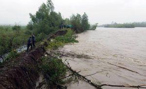 Большая вода угрожает сельхозугодиям и усадьбам