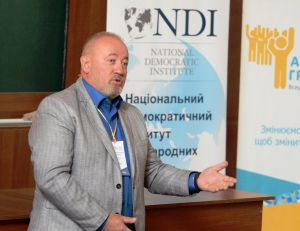 В. Чумак під час Національного дебатного турніру з політичних реформ