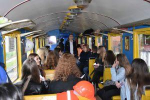 Более 300 школьников Ривного познакомились с профессиями железнодорожников
