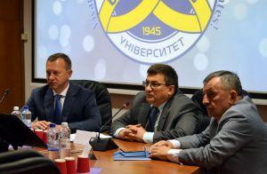 Про надання публічних послуг університетами говорили в Ужгороді