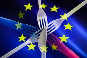 В ЕС запретили одноразовый пластик