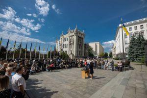 Володимир Зеленський відвідає інституції ЄС та НАТО