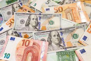 Нацбанк скасував обов'язковий продаж валютних надходжень