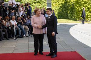 Los ucranianos esperan ayuda de lа canciller alemana para restaurar la soberanía y llevar a cabo las reformas
