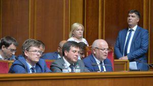 Уряд закликає розглянути три нагальні законопроекти