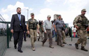 У Станиці Луганській відбувся черговий етап розведення військ