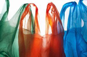 За пластик  доведеться  платити  податок