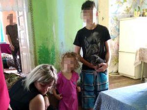Недбайливу матір із села Табачуки застерегли, що заберуть дітей