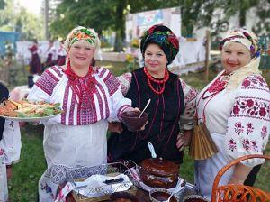 Фестиваль борщу, що об'єднує