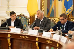 Ukraine restarts fight against corruption