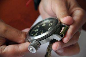 Збагатили музей давнім водолазним годинником