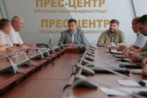 У Луганській області шукають вихід, щоб не опинитись у темряві