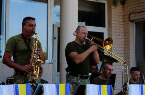 Марш на Луганщині зміцнить довіру до армії
