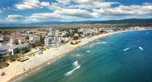 Болгарія: Що буває, коли пляжна парасолька стає розкішшю