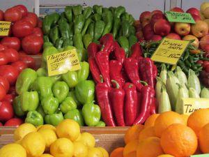 Болгарія посилить контроль за ввезенням овочів і фруктів