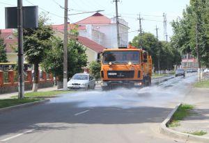 На поливання вулиць Гадяча бракує коштів?