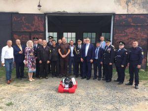 Чеські рятувальники подарували плаваючі мотопомпи