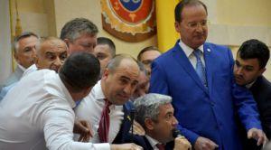 Детективы провели обыск в кабинете председателя Одесского облсовета