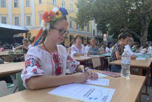 В Одессе диктант писали возле памятника Дюку