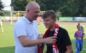 «Верес» потішив сина політв'язня Миколи Карпюка
