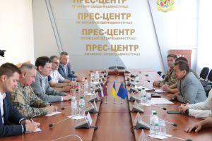 Латвійці привезли допомогу і бажання співпрацювати