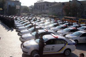 Поліцейські Західного регіону отримали нові службові авто