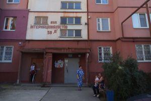 Мешканці Сум разом із новими квартирами одержали старі ліфти
