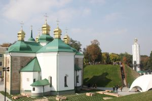 Церкву Спаса на Берестові часів Київської Русі відкрито після реставрації