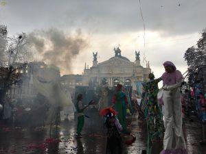 Дійство розпочалося з карнавальної ходи у Львові