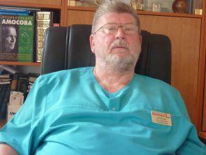 У Херсонському кардіодиспансері в черзі за життям вмирають люди