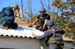 Підрозділи ДСНС у прифронтовій зоні допомагають мешканцям у біді