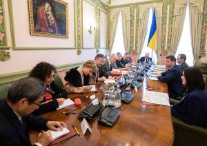 Керівник Офісу Президента зустрівся із послами країн G7