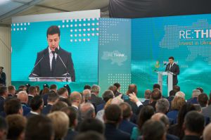 Ukraine ist zurzeit zwischen zwei Alternativen – zerstört zu sein oder stärker zu werden