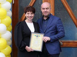 В Тернополе отделение «Укрпочты» поздравляют с новосельем