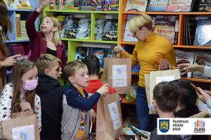 У лікарні Львова для малюків відкрили бібліотеку