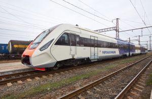 Крюківський вагонобудівний завод: «Дизель» наш — зручності європейські