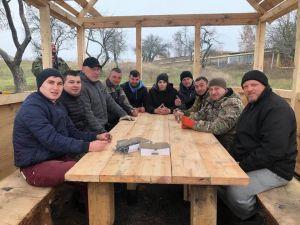 В Сумской области ветераны сделали подарок землякам