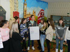 У Рубіжному старшокласники відвідали воркшоп «Будь у тренді — стань медіаграмотним»